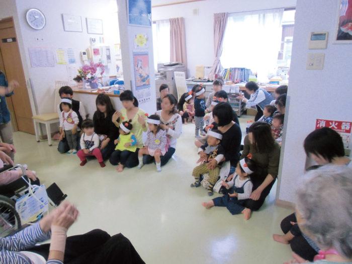 2016.10.28 2歳児慰問 (1)