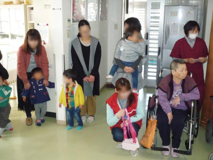 味生児童館2歳児による慰問-1